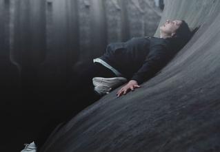 Леденящий душу короткометражный хоррор «Изгиб». И заметь: никаких монстров в кадре!