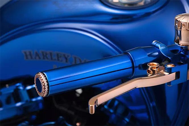Фото №4 - Знакомься: самый дорогой мотоцикл в истории! Угадай, от какой фирмы!
