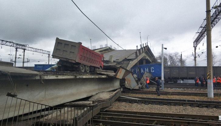 Фото №1 - Обрушение моста на поезд в Амурской области (видео)