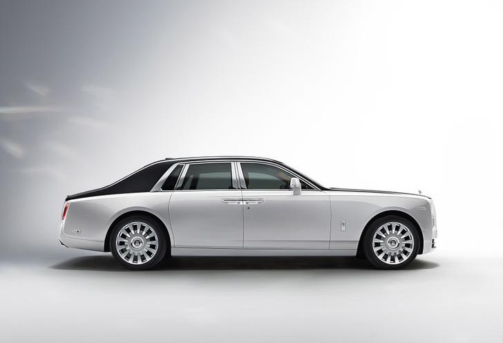 Фото №1 - Rolls-Royce Phantom VIII: представлен самый роскошный автомобиль от начала времен