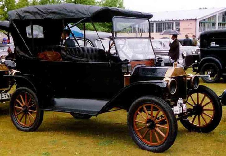 Фото №2 - 10 культовых автомобилей XX века