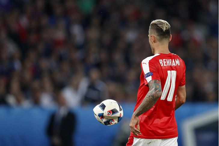 Фото №7 - Капитанская повязка России, исландские рога, штаны венгерского вратаря и другие важные вещи Евро-2016
