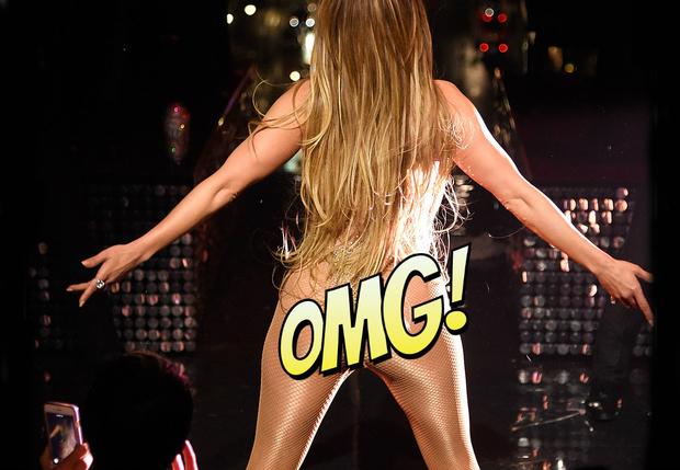 Фото №1 - Дженнифер Лопес показала сияющие стринги во время концерта!