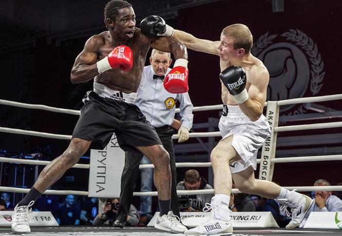 академия бокса отметила пятницу 13-е по-мужски