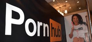 PornHub начал делать субтитры к своим роликам