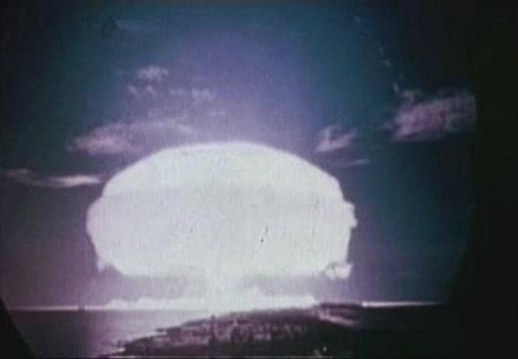 Фото №5 - Как СССР и США чуть не взорвали Луну