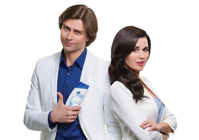 Фото №1 - Анастасия Заворотнюк и Петр Чернышев рассказали, как без обид распрощаться с перхотью