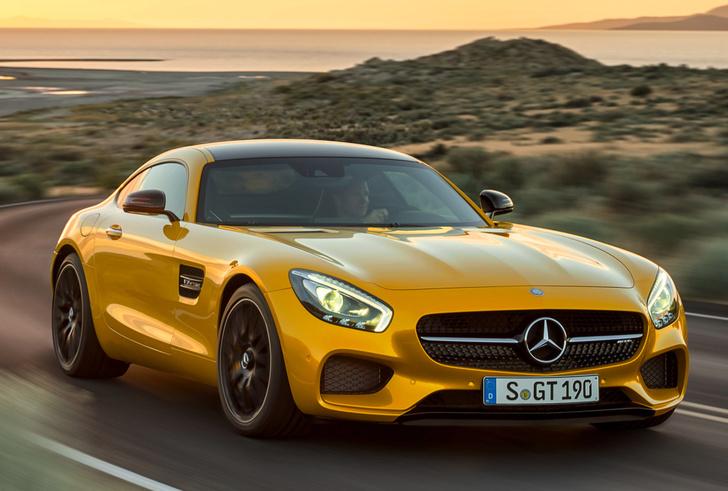 Гонка вооружений даже вызвала некоторые казусы. Например, представленный в 2014 году суперкар Mercedes-AMG GT S по паспортным цифрам не был быстрее современного ему Е-Класса от AMG, а 8-цилиндровые полноприводные S-Классы начали объезжать 12-цилиндровые. М