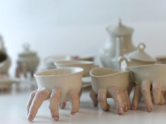 Фото №8 - Скульптор создает посуду, которая способна лишить аппетита. И сна!