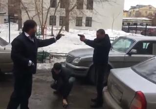 Весенняя дорожная разборка со стрельбой оживила неласковые улицы Екатеринбурга! (ВИДЕО)