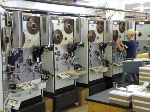 Фото №2 - Единственный оставшийся производитель аудиокассет в мире процветает!