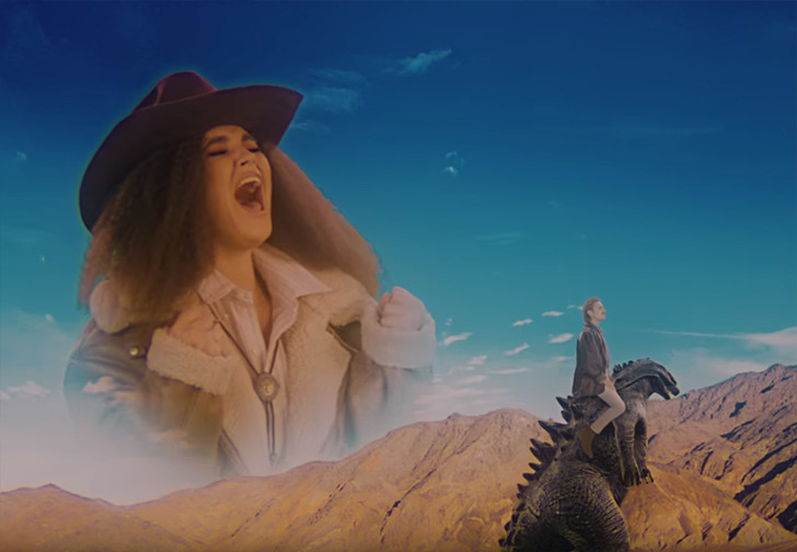 Фото №1 - Little Big выпустили романтическую версию песни SKIBIDI (видео)