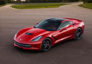 Corvette Stingray — мощный и киногеничный спорткар из недалекого будущего