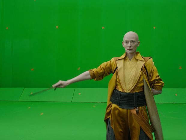 Фото №2 - Бремя спецэффектов: как на самом деле выглядят сцены из голливудских блокбастеров 2016-го