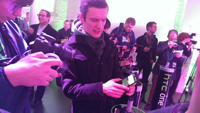 Фото №11 - HTC One. Спасибо, что стальной