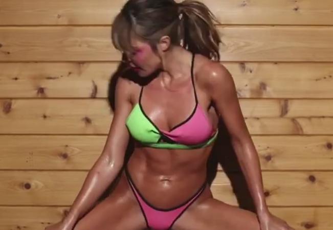 Фото №1 - Самое возбуждающее видео фитнеса, которое ты когда-либо видел!