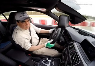 Смотри, как президент Туркменистана дрифтует на BMW!
