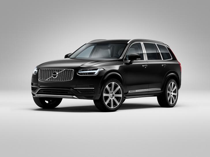 Фото №1 - Volvo Car Russia впервые представила подзаряжаемый от электросети внедорожник
