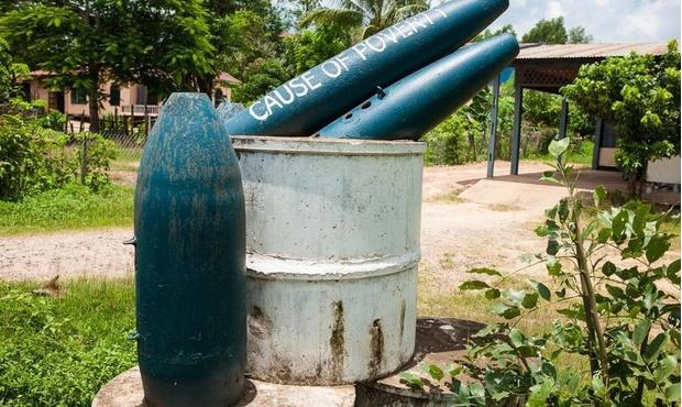 Фото №10 - Что еще можно делать с неразорвавшимися бомбами. Занимательные фотографии