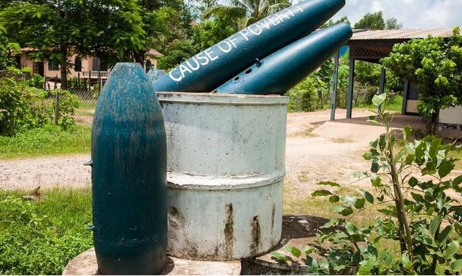 Что еще можно делать с неразорвавшимися бомбами. Занимательные фотографии