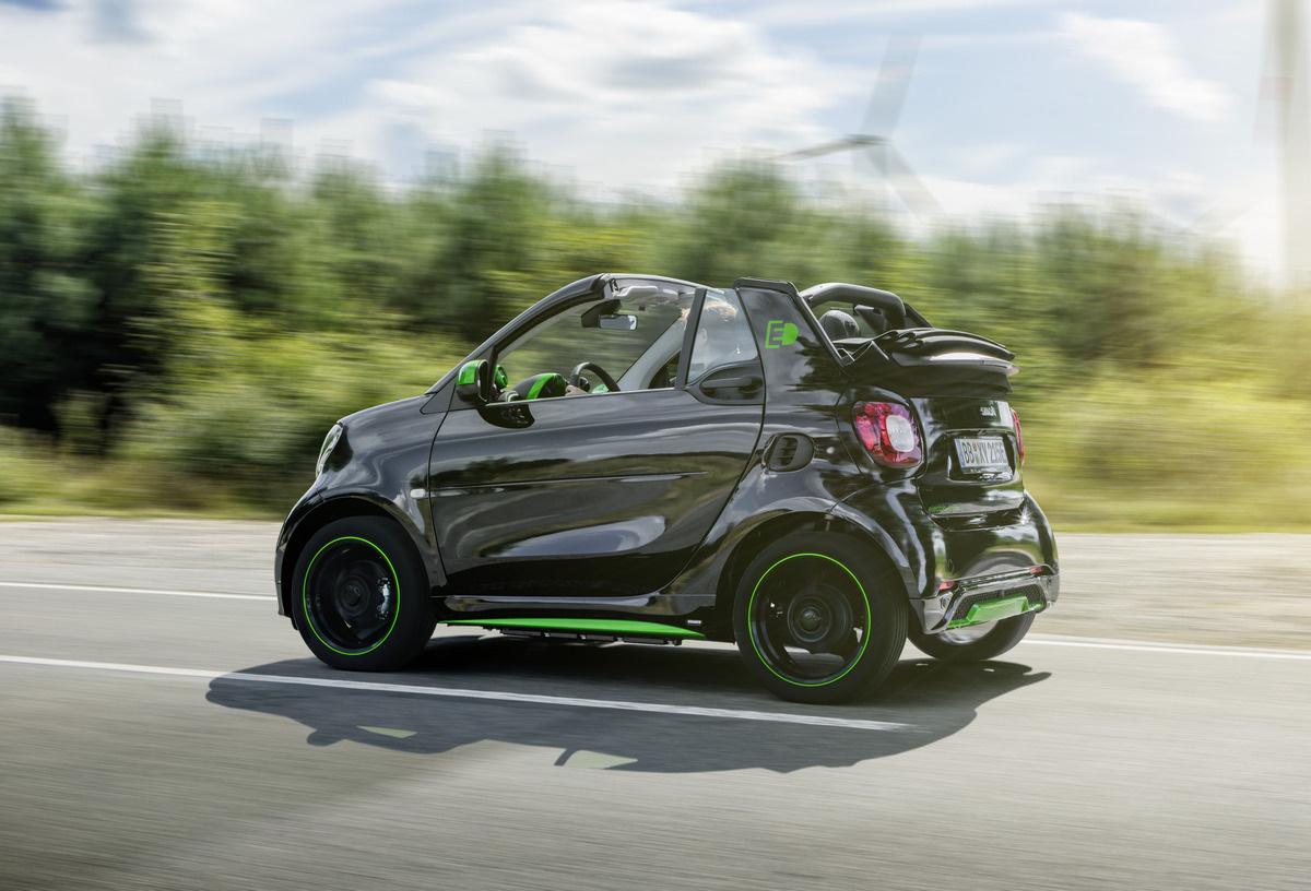 Smart Fortwo Cabrio фото 1