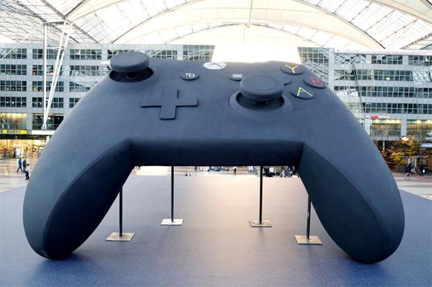 Фото №1 - Напоминание дня: Xbox One X уже в продаже!