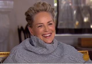 Шэрон Стоун ответила на вопрос «А вас домогались?», и видео с ее ответом стало вирусным