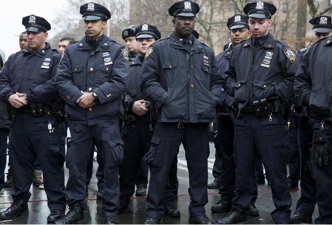 нью-йоркской полиции запретили заниматься сексом подозреваемыми