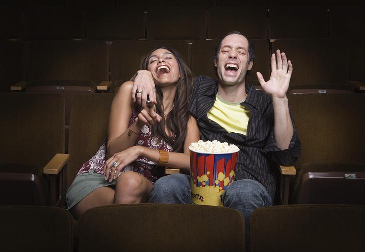 Фото №1 - Наука подвердила: твоя идеальная девушка смеется над теми же шутками, что и ты