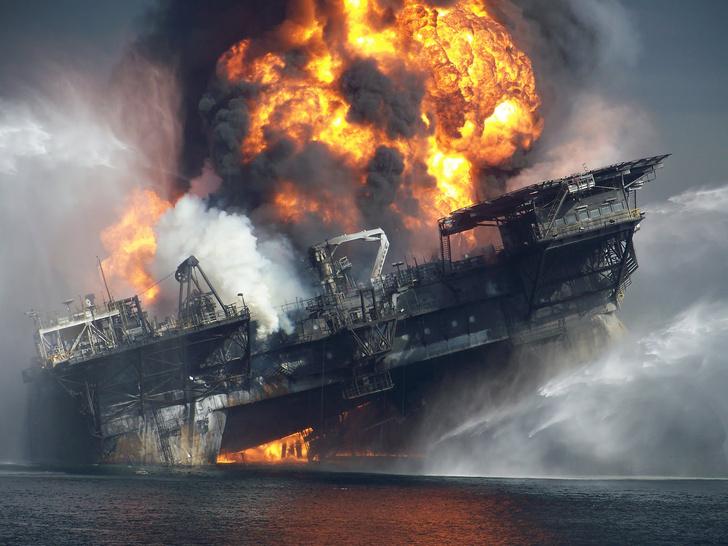Фото №1 - Почему стоит посмотреть трейлер фильма-катастрофы «Глубоководный горизонт»