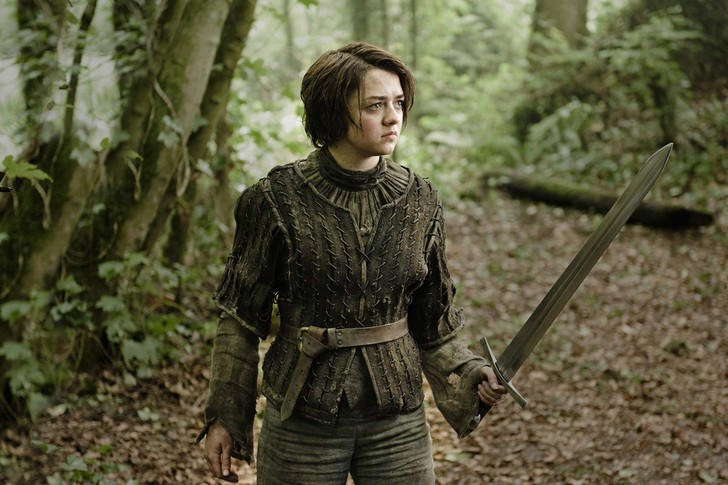 Фото №1 - Арья Старк проболталась, кто умрет в новом сезоне «Игры престолов». Читай, если осмелишься!