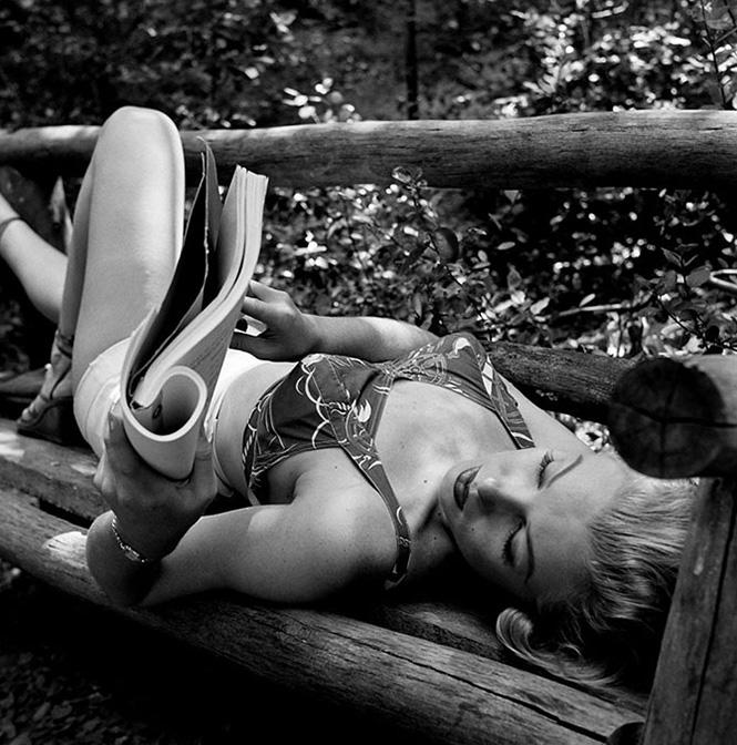 Фото №5 - Девушка дня: 17 кадров с Мэрилин Монро