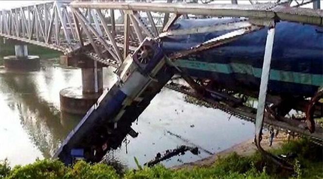 Фото №11 - Самые впечатляющие фото железнодорожных катастроф