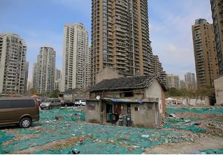 32 дома под снос, упрямые владельцы которых отказались выселяться!