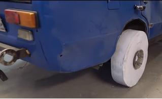 Умельцы сделали автомобилю колесо из обычной БУМАГИ! И он на нем едет! (Крышесносящее ВИДЕО)