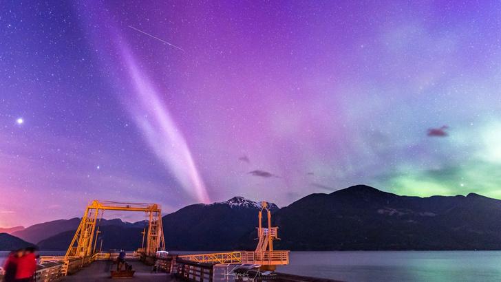 Фото №1 - Новое атмосферное явление, которое назвали «Стив» (галерея)