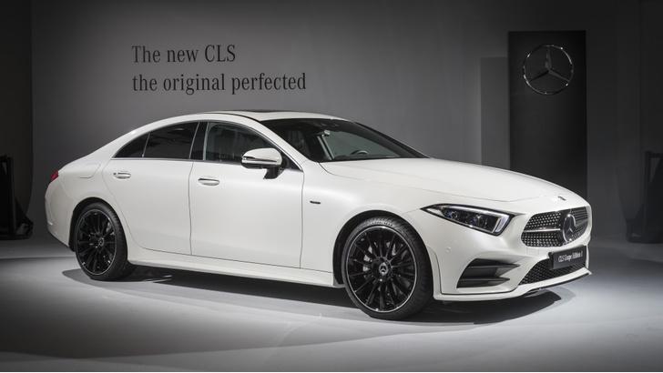 Фото №5 - Новый Mercedes CLS придется полюбить или возненавидеть