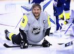 Русский хоккеист забил гол, от которого вздрогнул мир, а Овечкин показал мускулы