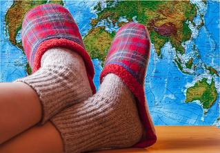 Карта, показывающая, в каких странах мира принято снимать обувь дома, а в каких — нет