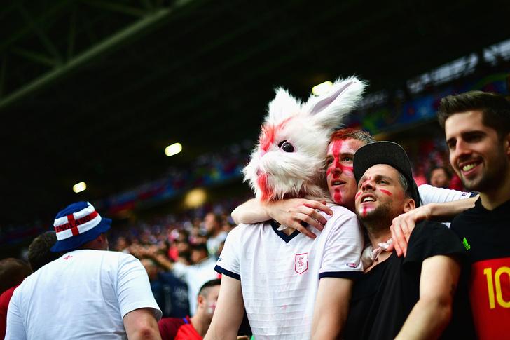 Фото №13 - Слепой испанец, бешеные ирландцы и Дед Мороз. Почему фанаты на Евро-2016 — это не только драки