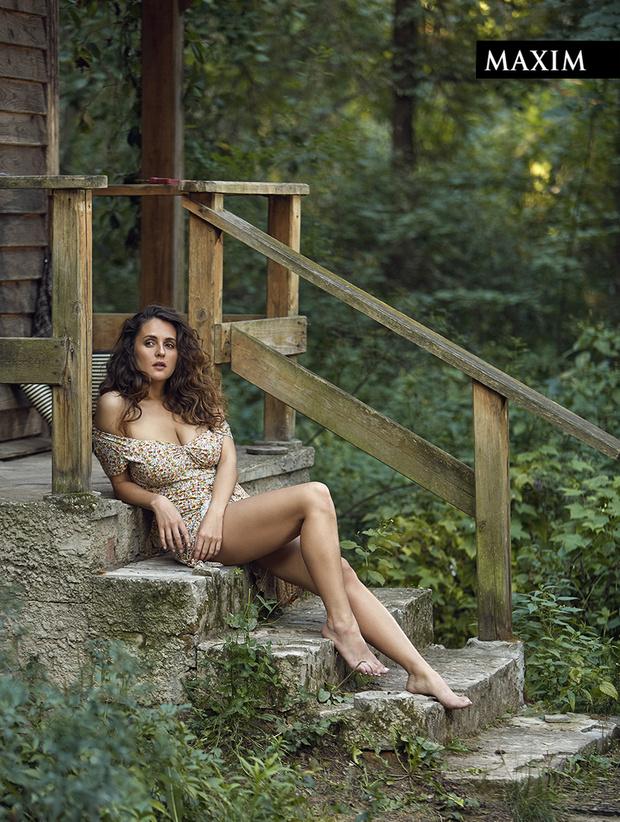 Фото №4 - Дачные удовольствия: наша загородная фотосессия актрисы Марии Шумаковой