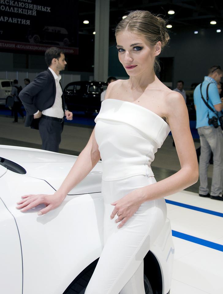 Фото №13 - Лучшие девушки Московского международного автосалона — 2016