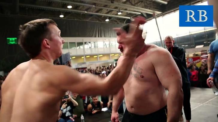 Фото №1 - Вот как выглядит чемпионат России по пощечинам (болезненное ВИДЕО)