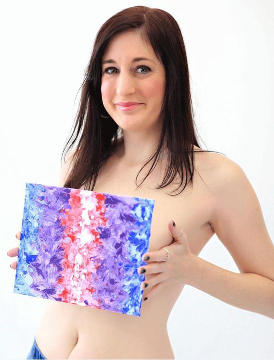 картина нарисованная грудью