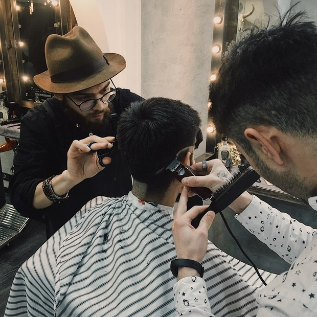 Фото №2 - Мир бритвы: за что мужчины любят барбершопы