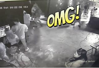 Троица виртуозно крадет акулу с помощью детской коляски! Галлюциногенное ВИДЕО
