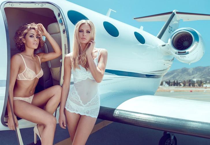 Фото №1 - Российские инстаграмщики теперь пускают пыль в глаза, делая вид, будто летают на частном самолете