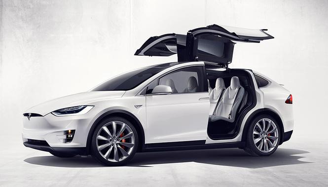 Tesla показала свой новый кроссовер Tesla Model X