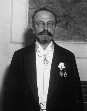 Фото №2 - Номинация Гитлера на Премию мира и еще 10 случаев, когда Нобелевский комитет дал маху