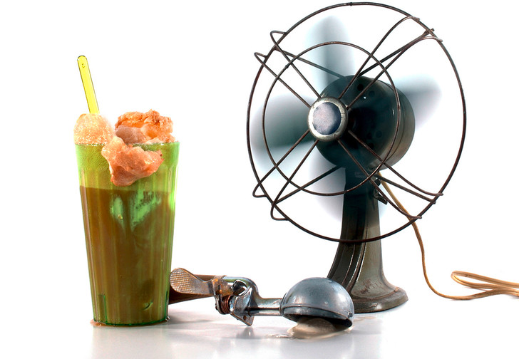 Фото №1 - Как охладить коктейль без холодильника